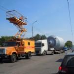 Сопровождение крупногабаритного груза аварийной бригадой Горэлектротранспорта